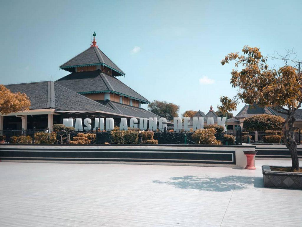 Bangunan Masjid Agung Demak Peninggalan Kesultanan Demak